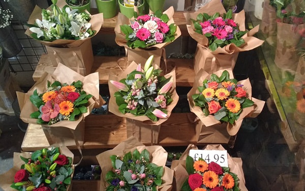 Một số ý tưởng kinh doanh hiệu quả- Mở cửa hàng hoa tươi