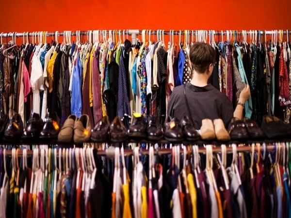 Lấy hàng quần áo nước ngoài về bán online trên Facebook