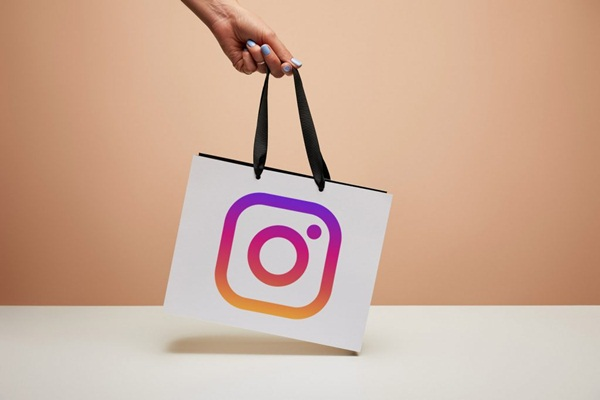 Hoàn tất mua sắm trên instagram