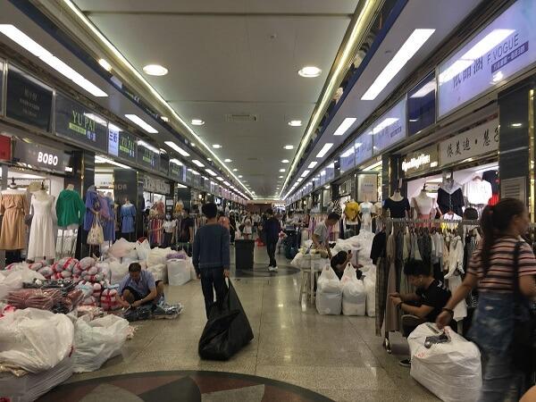 Nguồn hàng tại chợ 13 có số lượng dồi dào, phong phú