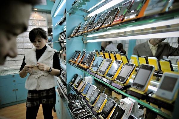 Không ai đứng ra bảo đảm về chất lượng cho những chiếc điện thoại ở chợ Thâm Quyến