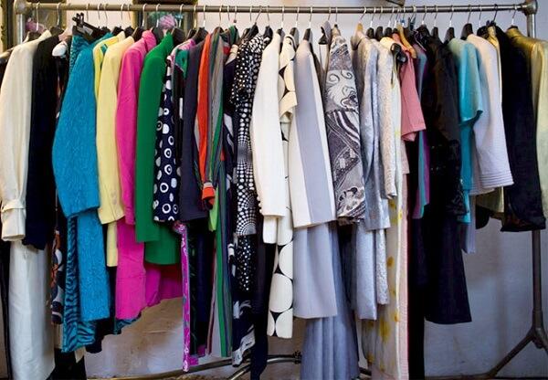 Quần áo hàng thùng tại các shop