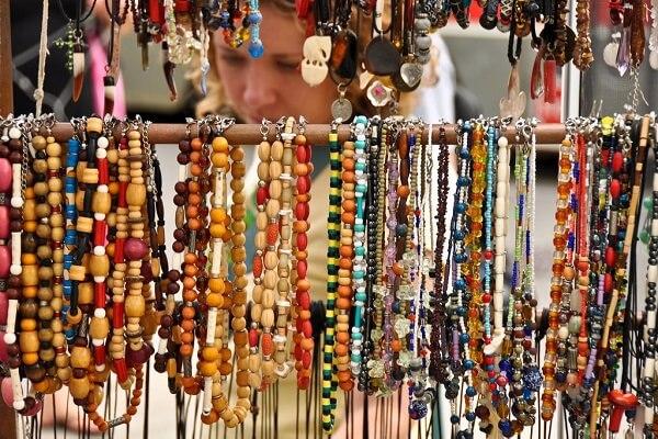 Lấy sỉ hàng Thái Lan ở chợ truyền thống