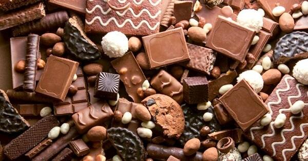 Nhập chocolate từ Mỹ về bán tốt vì giá rẻ, nhiều người yêu thích