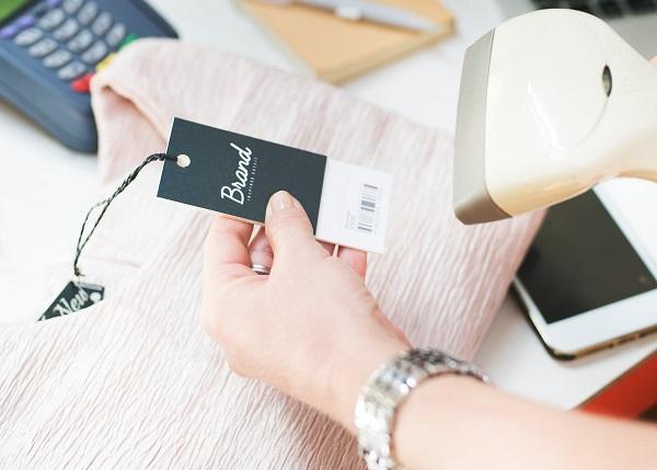 Kiểm tra kĩ nhãn mác sản phẩm khi nhập hàng