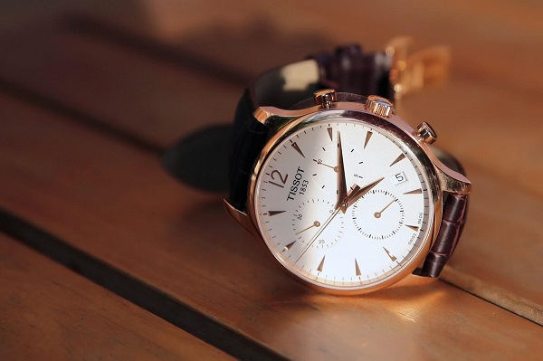 Đồng hồ tại Mạnh Thắng Shop