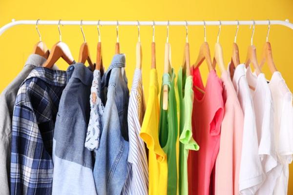 Mặt hàng kinh doanh online phổ biến và bán chạy - Kinh doanh quần áo online