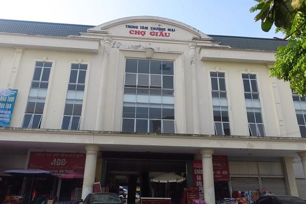 Trung tâm thương mại Chợ Giầu