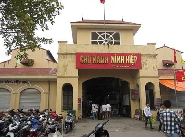 Chợ đâu mối lấy sỉ quần áo nổi tiếng nhất Hà Nội