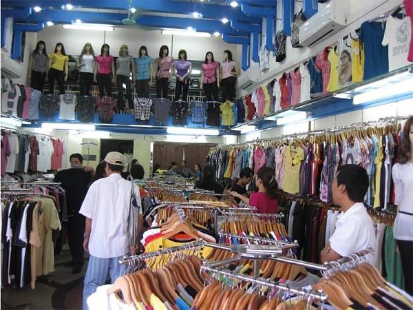 Chất lượng quần áo ở phố hàng Ngang, hàng Đào tốt hơn ở chợ đầu mối