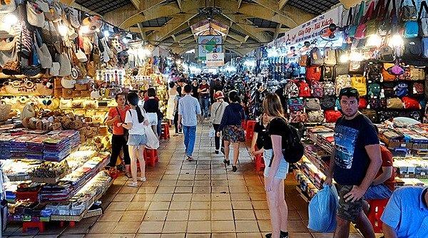Bán hàng tại chợ theo nhu cầu khách hàng