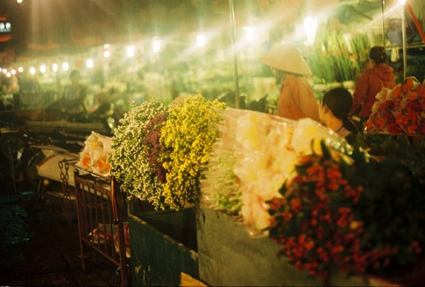 Chọn thời điểm 1-3h sáng để đi lựa hàng tại các chợ hoa trên địa bàn