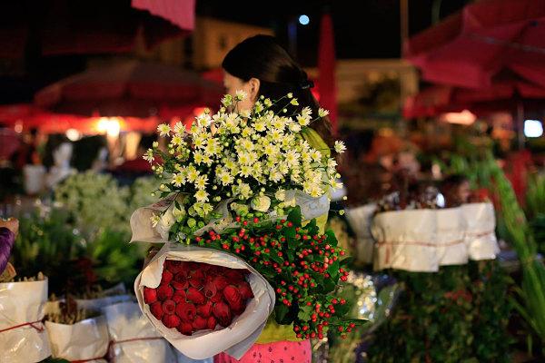 Chợ hoa đêm Hà Đông