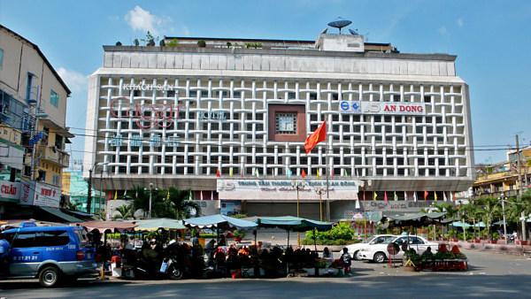 Chợ An Đông - đầu mối lấy sỉ túi xách ở TPHCM
