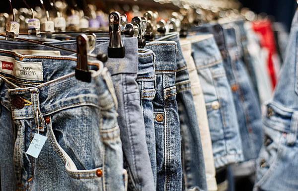 Các mẫu quần jean luôn được khách hàng yêu thích mọi thời đại