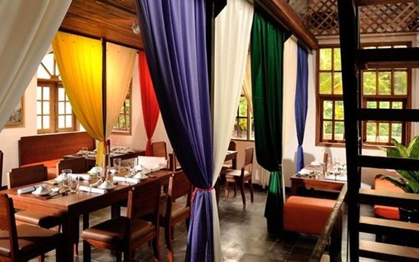 Nhà hàng chay phong cách cung đình Việt Nam