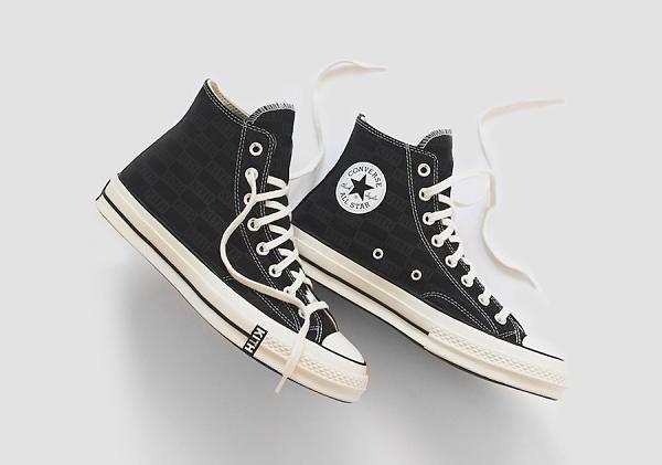 Mẫu giày nên nhập số 1 khi đi lấy sỉ giày super fake