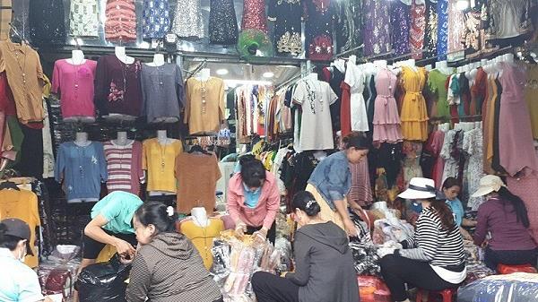 Giá sỉ quần áo ở chợ Tân Bình khá thấp