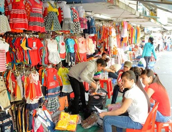 Chất lượng quần áo tại chợ Tân Bình không đồng đều