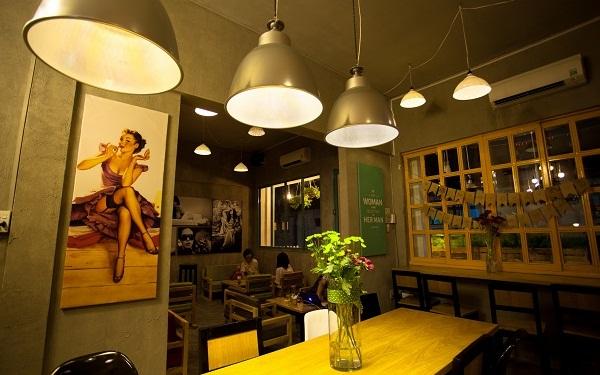 Thiết kế quán cafe đơn giản cần chú trọng đến ánh sáng