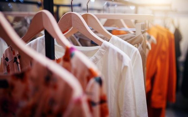 Ý tưởng kinh doanh cho dân văn phòng - Buôn bán thời trang online