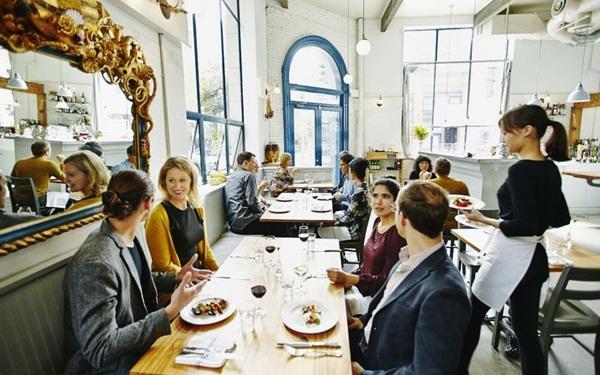 Tổ chức sự kiện phục vụ cho nhiều đối tượng khách hàng khác nhau