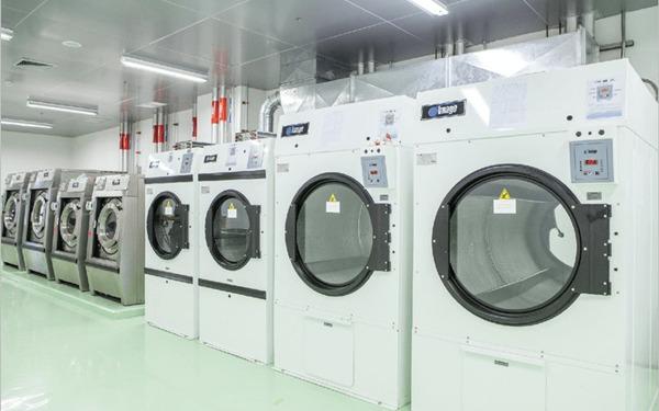Mở 1 tiệm giặt khô