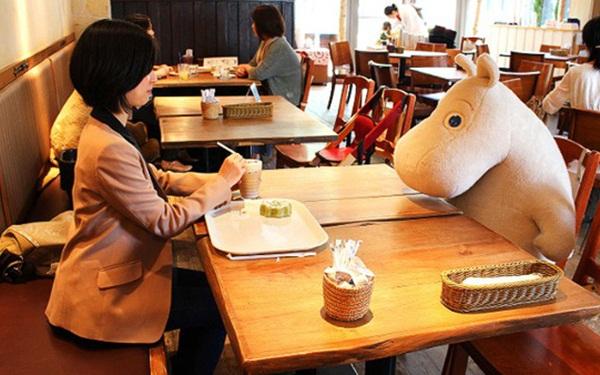 Ý tưởng kinh doanh ở Nhật Bản độc đáo - Cafe cho người cô đơn