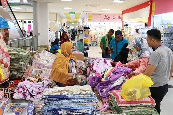Lấy hàng từ các chợ sỉ quần áo Trung Quốc
