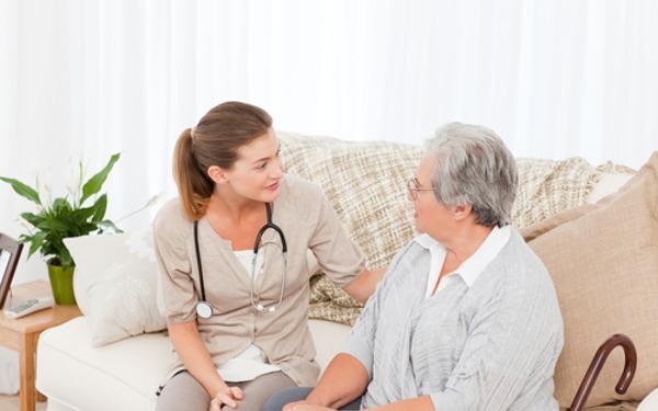 Dịch vụ chăm sóc sức khỏe người cao tuổi