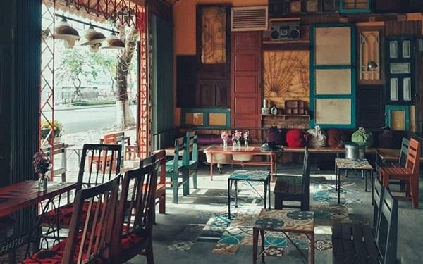 Quán cafe phong cách cổ điển - vintage