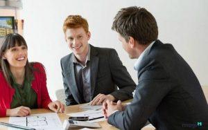 Nói chuyện một cách chân thành sẽ tạo được sự tin tưởng với khách hàng