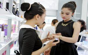 Hiểu tính chất làn da – kỹ năng bán hàng mỹ phẩm dễ chốt đơn