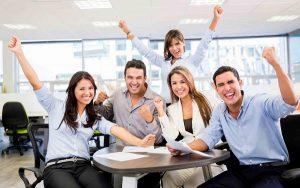 Đặt kỳ vọng vào nhân viên giúp họ hào hứng đáp ứng mục tiêu và lấy lòng một cách dễ dàng