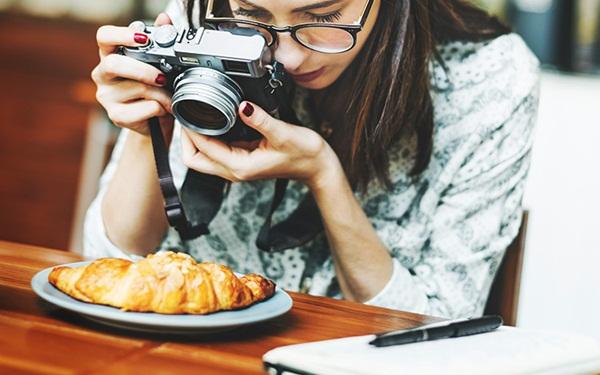 Khởi nghiệp kinh doanh với nghề chụp ảnh đồ ăn (Food stylist)