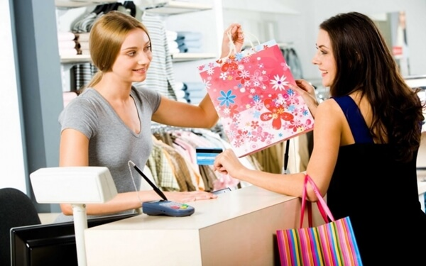 Cách tư vấn bán hàng quần áo hiệu quả