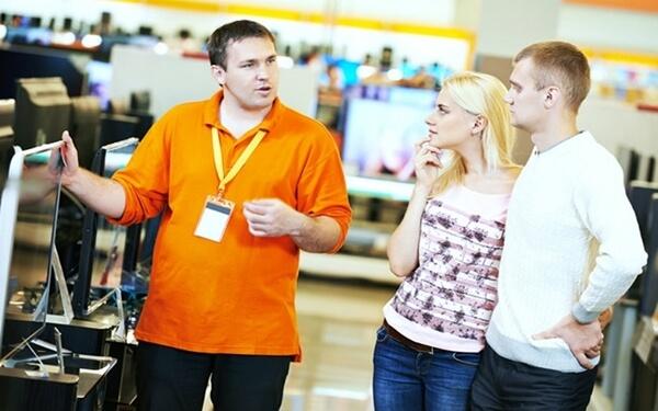 Đặt câu hỏi tương tác với khách hàng