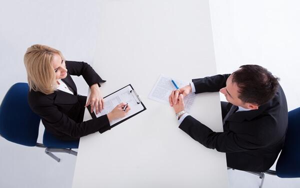 Thuyết phục khách hàng bằng cách lắng nghe