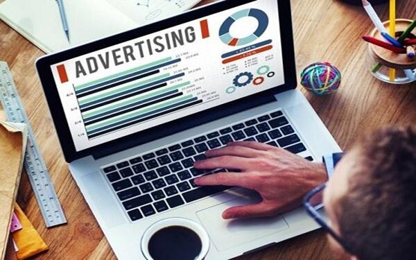 Chạy quảng cáo thông qua mạng xã hội