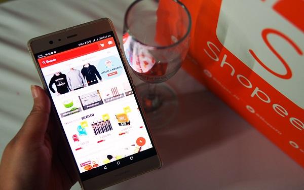 Có rất nhiều lý do để khách hàng nhắn tin với người bán trên Shopee