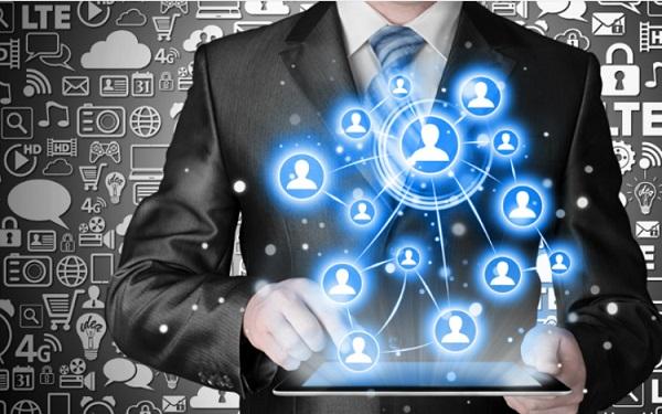 Tự động thu thập và quản lý thông tin khách hàng