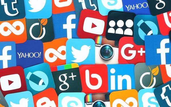 Sử dụng Social Media