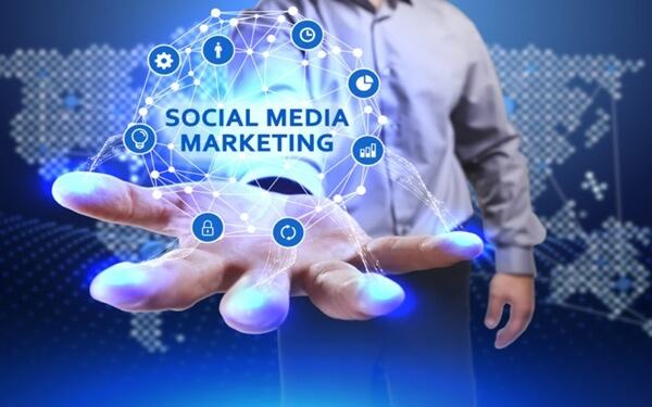 social-media-marketing-la-gi3 (1)