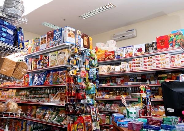 Đầu tư cho nội thất của cửa hàng hết bao nhiêu?